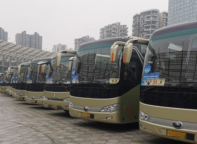 成都大巴包车价格 专业成都大巴车租赁公司