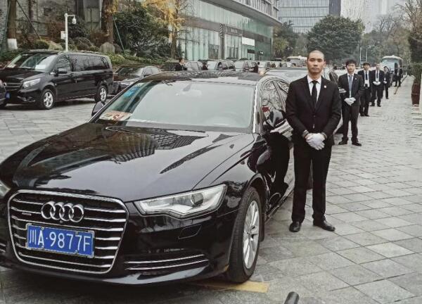 成都代驾租车公司费用多少?