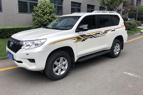 请问成都租车去西藏在哪里租?
