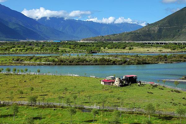 拉萨尼洋河