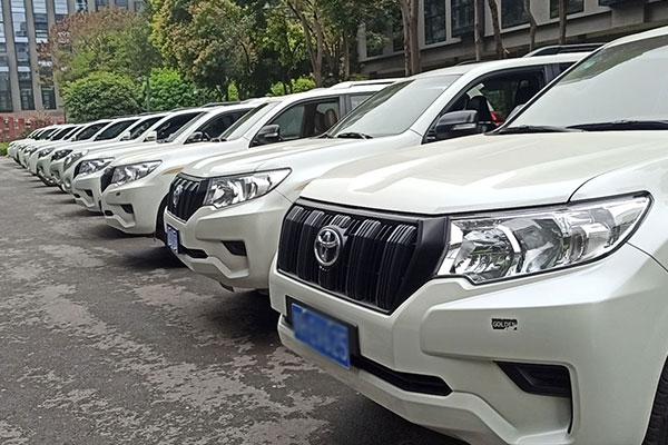 成都租车租司机去西藏
