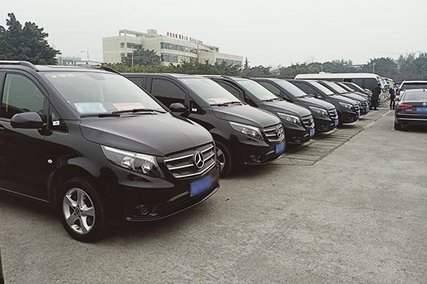 2021成都租车网价目表车型价格_可带司机