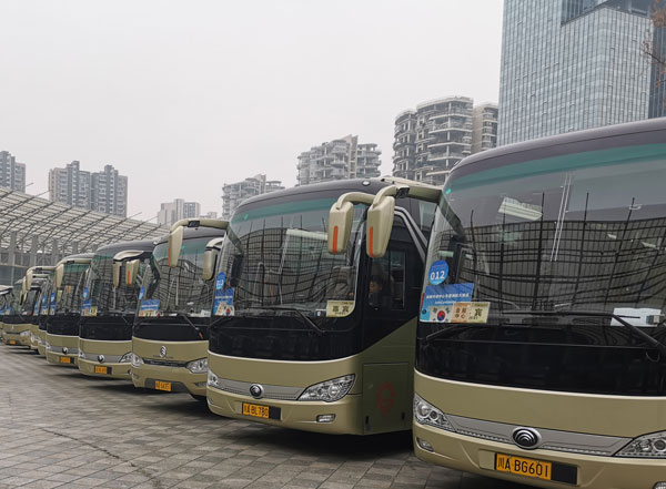 成都市内大巴租车