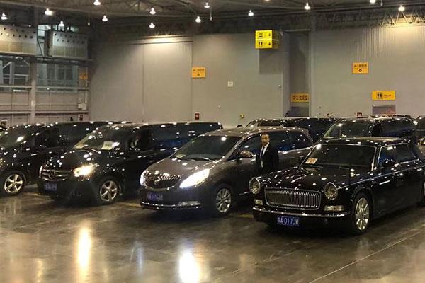 成都双流机场接机时可以让司机举牌接客人吗?