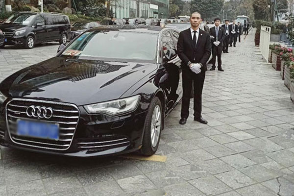 从成都租车到重庆大概多少钱?